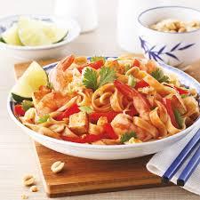 cuisine crevette pad thaï aux crevettes et tofu recettes cuisine et nutrition