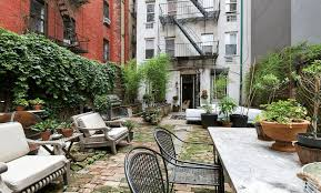 global interiors and a 1 000 square foot garden put this 1 8m that 1 000 square foot private garden backs up to a 25 foot high brick building giving the enviable outdoor space a room like quality as well as privacy