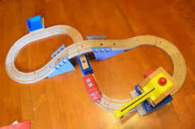 chuggington wooden railway wilson u0027s crane u0026 tunnel review