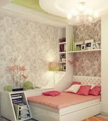 chambre fille baroque chambre enfant déco chambre ado fille coussins papier peint baroque