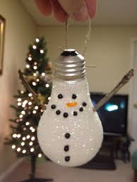 light bulb snowman paint on thinned glue and cover with glitter