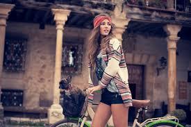 hippie style 12 ways to dress like a modern bohemian hippie viewmixed