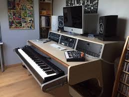 thomann studio desk an extra wide miza 88xl in oak to fit a roland a 88 keyboard at