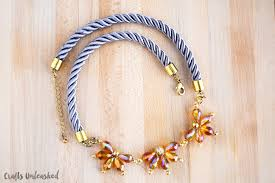 flower bead necklace images Beaded flower necklace tutorial crafts unleashed jpg