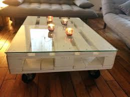 recouvrir un canap en cuir recouvrir canape cuir la table basse design en mille et une photos