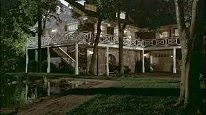 the long island estate in the 1995 romantic comedy