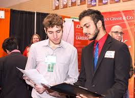alumni network software students alumni network with companies at career expo news