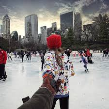 Girlfriend drags photographer boyfriend around the world by the