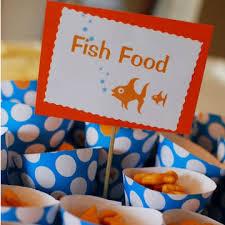 pesci alimentazione alimentazione pesce di allevamento