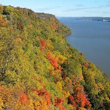 hiking palisades interstate park in new jersey