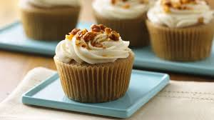 maple frosting gluten free apple spice cupcakes with maple cream cheese frosting