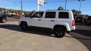 white jeep patriot 2016 jeep patriot sport bright white clearcoat gd519205 mt