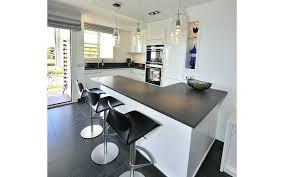 cuisine avec bar bar separation cuisine salon 3 luxury kitchens open lzzy co