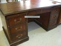 Distressed Office Desk Fresh Distressed Office Desk 7316 Executive Wood Desks Antique