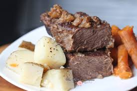 pressure cooker beef short ribs with potatoes and carrots
