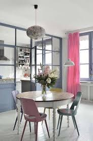 palette de couleur pour cuisine une verrière intérieure de cuisine peinte en bleu lavande