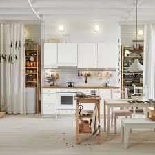 rangements cuisine ikea rideaux pour placard de cuisine crations rideaux en beige sur