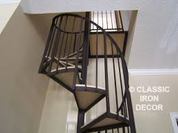 interior design traditional wooda and spiral staircase with