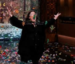melissa mccarthy performs pocahontas u0027 colors of the wind in lip