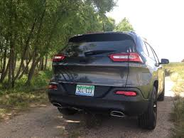 hunting jeep cherokee 2015 jeep cherokee latitude 4x4 surprisingly stylish first
