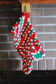 crochet christmas crochet christmas 14 free patterns favecrafts