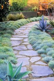 Small Backyard Landscaping Ideas Best 25 Flagstone Path Ideas On Pinterest Flagstone Walkway