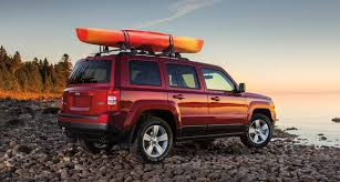 offroad jeep patriot 2016 jeep patriot vs 2016 jeep cherokee which will you choose
