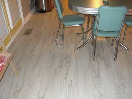 locking vinyl plank flooring installation