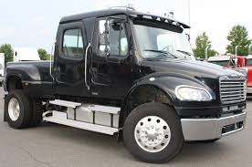 pic 2 2 freightliner pickup truck this is what you call a big