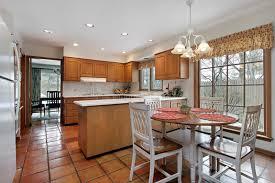 plancher cuisine cuisine avec le plancher de terre cuite photo stock image du
