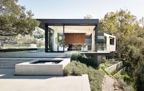 Modern Home Floorplans An Upside Down Beverly Hills Home With A Minimalist Exterior