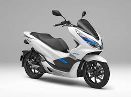 honda 2018 new car models honda debuts hybrid and electric scooters for 2018 asphalt u0026 rubber
