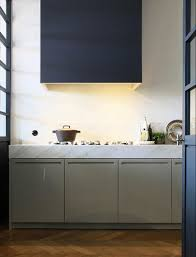 meuble cuisine couleur taupe meubles cuisine couleur taupe peinture mur bleu electrique