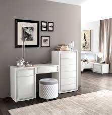 Schlafzimmerm El Weis Modernes Schlafzimmer Weiß Charismatische Auf Moderne Deko Ideen