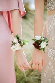 bridesmaid corsage 10 creative beautiful alternative bridesmaid bouquets