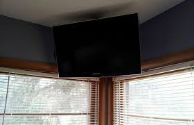 Swivel Ceiling Tv Mount by How To Build A Simple Flat Screen Tv Ceiling Mount From Unistrut
