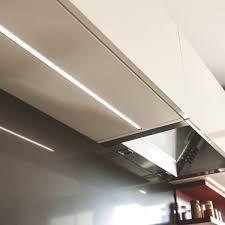 lumiere meuble cuisine l éclairage de vos élements de cuisine pour votre projet schmidt