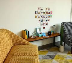 au bureau 91 en cas de besoin on a un petit coin cosy au bureau ces petits