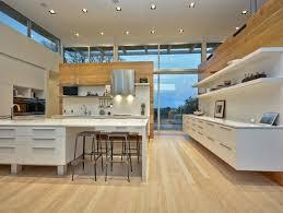 cuisine plancher bois design interieur modele cuisine contemporaine blanche bois plancher
