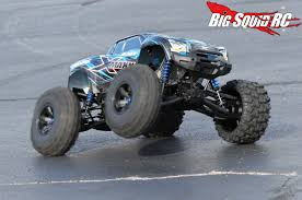 traxxas monster jam trucks traxxas x maxx monster truck review big squid rc u2013 news reviews