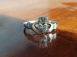 the claddagh ring how should i wear my claddagh ring plus it s history