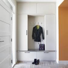 garderobenschrank design einbau garderobenschrank platzwunder im modernen flur