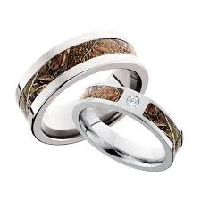 camo wedding bands his and hers 76 best camo wedding rings images on camo rings camo