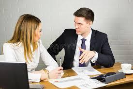 sexe au bureau employés de bureau de sexe masculin et féminins image stock image