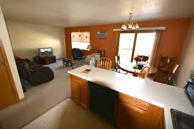 garages with apartments on top apartments for rent menomonie wi 3 br uw stout off campus housing