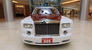 roll royce qatar abu dhabi police will have a rolls royce phantom chasing bad guys