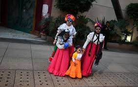 catrina costume stunning pics capture mexico s day of the dead preparations