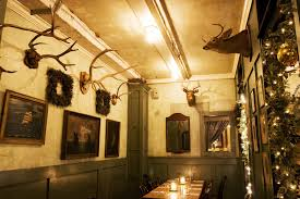 chandeliers nyc coziest restaurants and bars in new york city