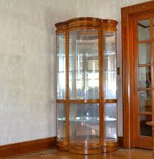 Pulaski Furniture Curio Cabinet by Illuminated Serpentine Front Curio Cabinet By Pulaski Furniture Ebth