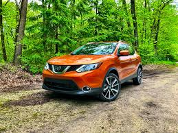 nissan rogue sport review 2017 nissan rogue sport 5 things buyers need to know